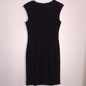 Calvin Klein Dresses - Calvin Klein Black Horseshoe Neck Cap Sleeve Dress
